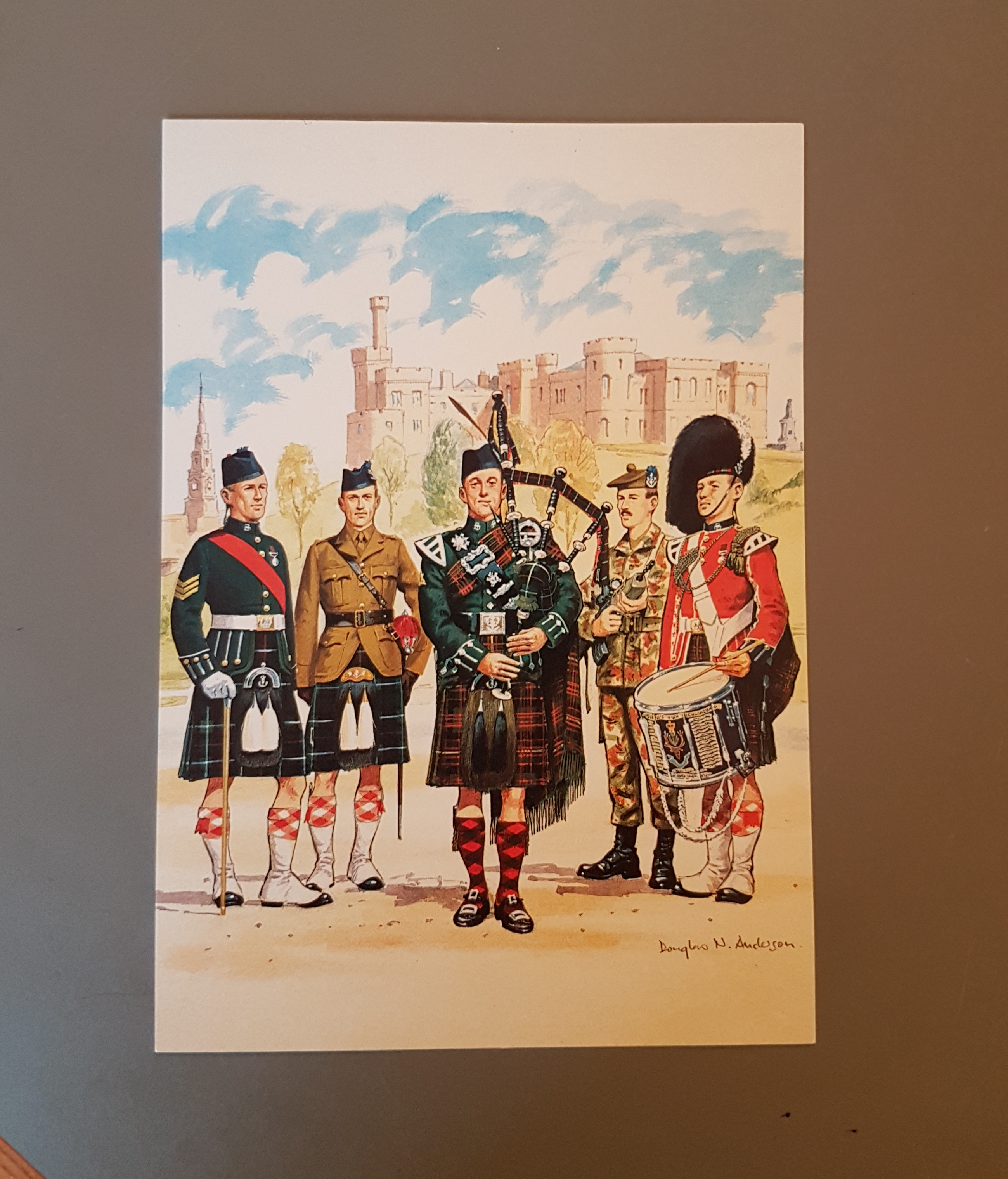 Queen's Own Highlanders - Postcard