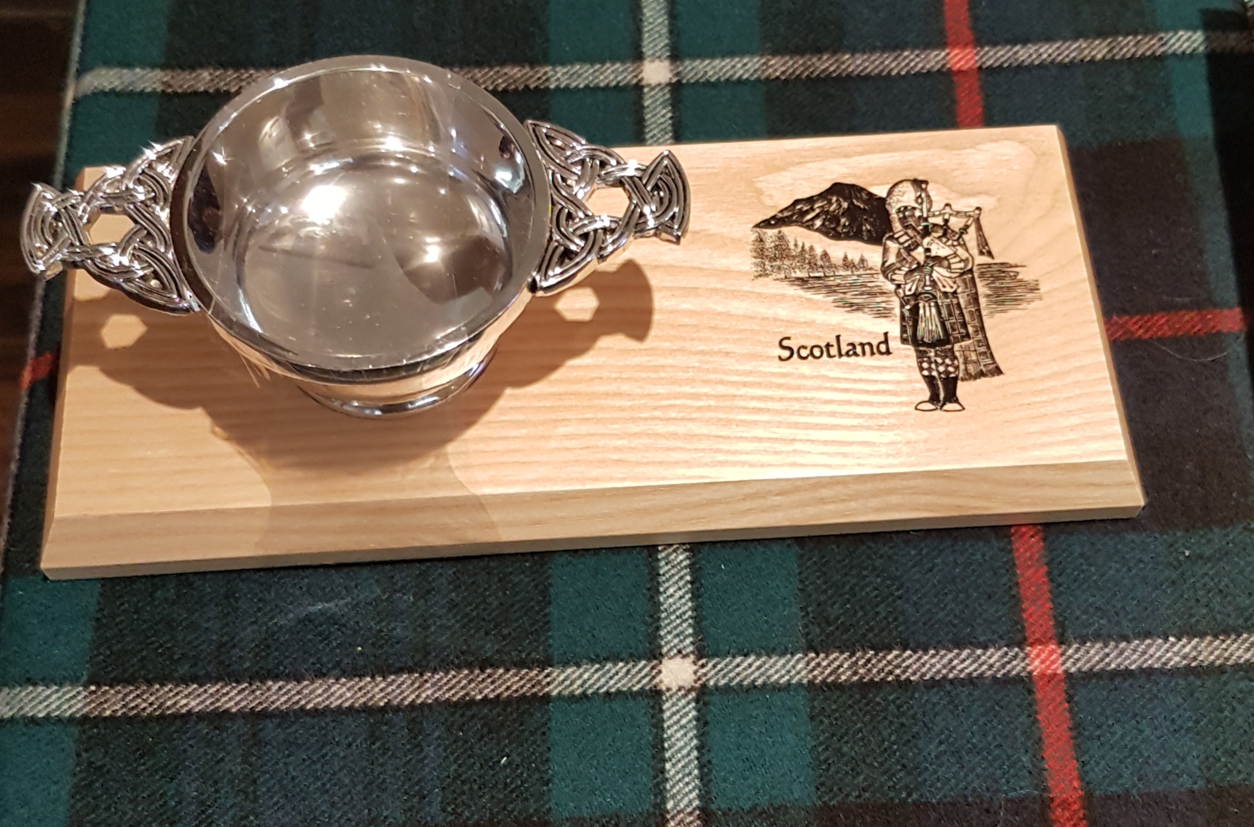 The Highland Quaich - Piper