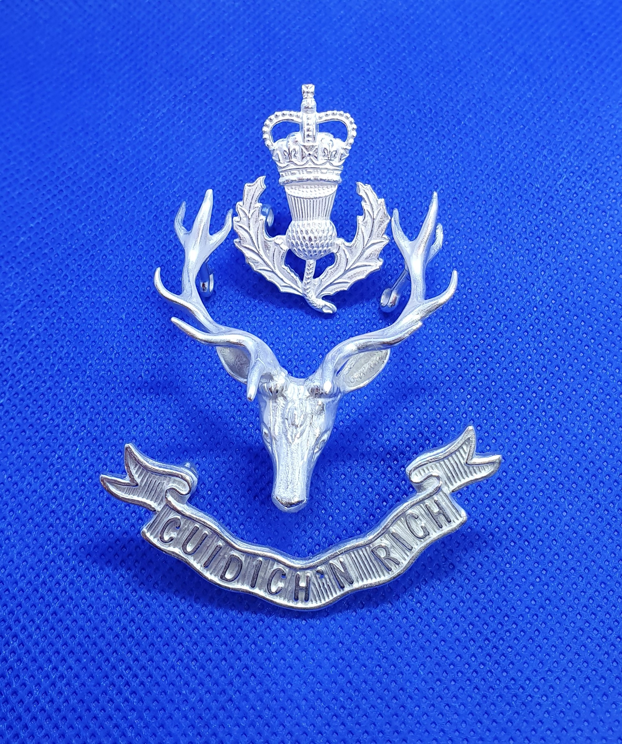 Queen's Own Highlander Staff Cap Badge